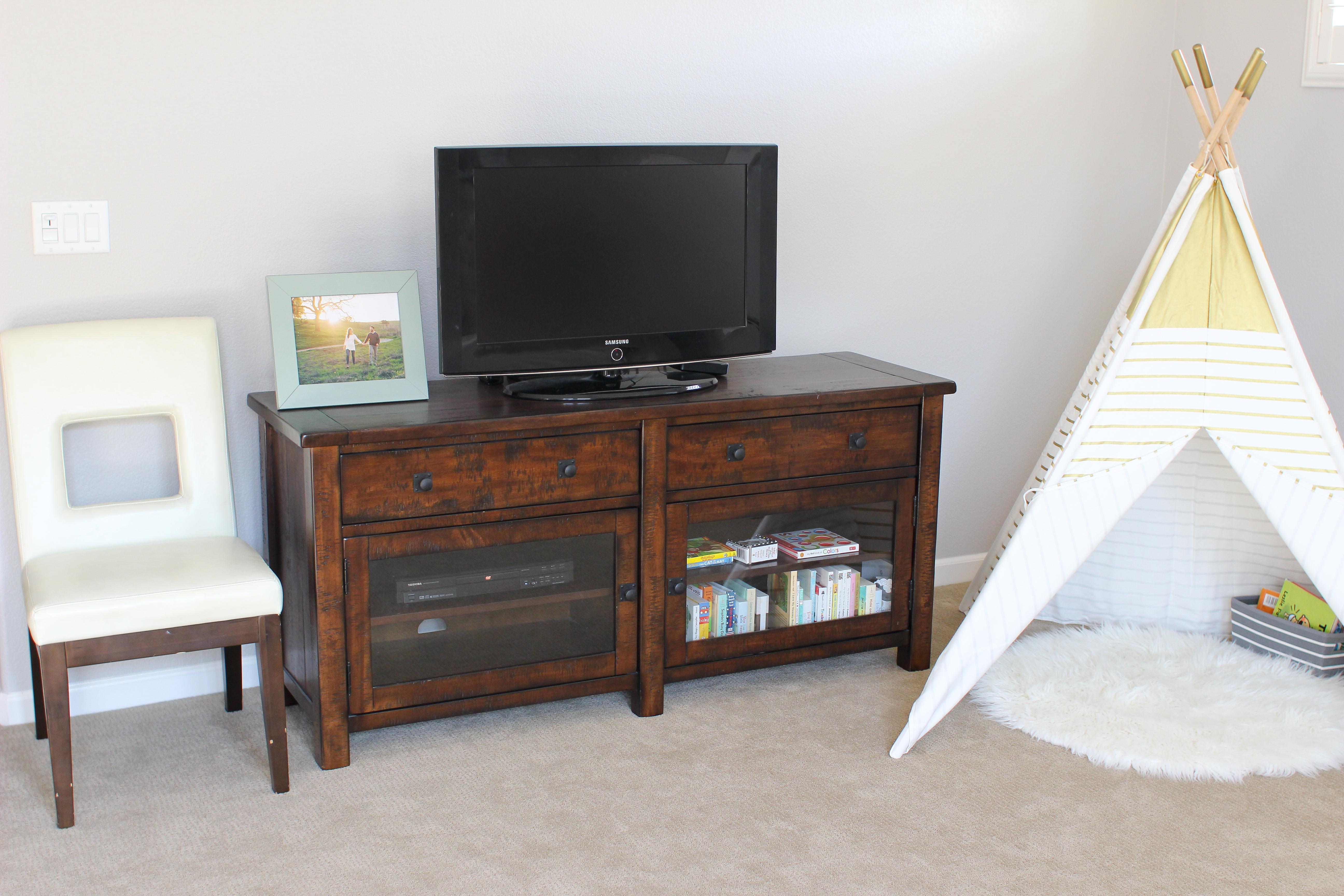 Modern, family-friendly playroom. Playroom Decor